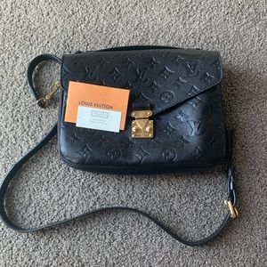 Louis Vuitton Métis black calfskin leather satchel